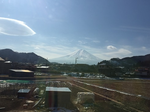 129富士登山電車の車内から.jpg